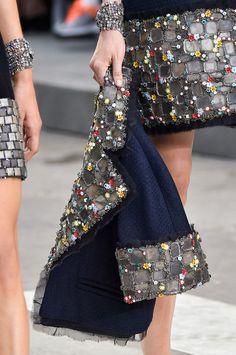 Défile Chanel Prêt-à-porter Printemps-été 2015 - Détail 47