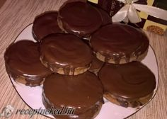 Érdekel a receptje? Kattints a képre! Muffin, Pudding, Breakfast, Desserts, Food, Morning Coffee, Tailgate Desserts, Deserts, Custard Pudding