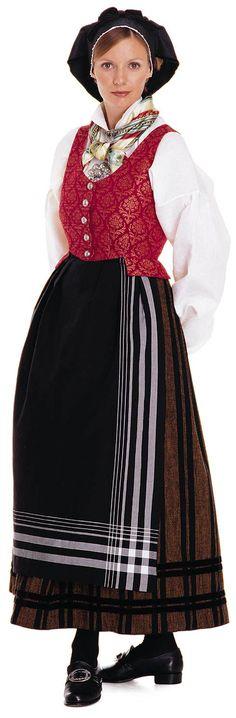 Tromsbunaden for kvinner Shirt Embroidery, Embroidery Fashion, Traditional Fashion, Traditional Dresses, Norwegian Style, Folk Costume, Homecoming Dresses, Wedding Dresses, Marie