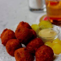 Dutch food bitterballen