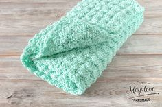 Babydecken - Kocyk bąbelki, miętowy, 70x90 cm - ein Designerstück von Mayalove- bei DaWanda Crochet Toys, Crochet Ideas, Crafts To Make, Designer, Etsy, Patterns, Handmade, Decor, Block Prints