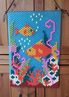 Completed Beaded Banner, Fishes Under the Sea, made with translucent beads. Pony Bead Projects, Pony Bead Crafts, Beaded Crafts, Beaded Ornaments, Diy Ornaments, Glass Ornaments, Pony Bead Patterns, Peyote Patterns, Loom Patterns