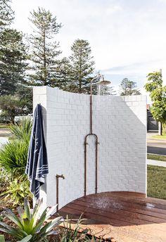 1920s Architecture, Landscape Architecture, Landscape Design, Garden Design, Outdoor Bathrooms, Outdoor Rooms, Outdoor Living, Outdoor Showers, Beach Kitchens