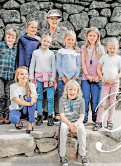 Princess Beatrix with grandchildren on holliday in Peru