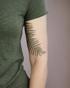 Wunderschöne botanische Tattoo-Designs von Cindy van Schie Beautiful botanical tattoo designs by Cindy van Schie Related posts:Cheshire Cat - The Cheshire CatWatercolor Tattoos Will Turn Your Body into a.