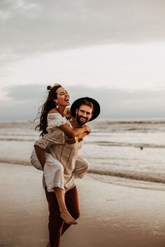 Feb 2020 - Intimate Couple Shooting at the Beachside by Sarah Everything › Beloved Stories Couple Photoshoot Poses, Couple Photography Poses, Couple Posing, Couple Shoot, Sunset Photography, Photography Tips, Friend Photography, Maternity Photography, Engagement Photography