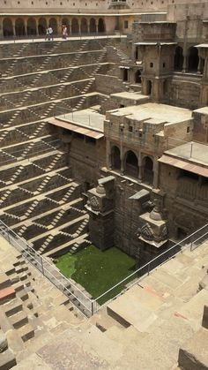 Chand Baori Stepwell in India - This geometric dream is India's best kept secret. This geometric dream is India's best kept sec - Architecture Antique, Indian Temple Architecture, India Architecture, Amazing Architecture, Architecture Quotes, Architecture Wallpaper, Architecture Tattoo, Sustainable Architecture, Incredible India Posters