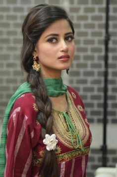 Indian-Beauty - pure, simple and homely rosto feminino, beleza, atriz paqui Pakistani Girl, Pakistani Actress, Pakistani Models, Dehati Girl Photo, Desi Girl Image, Celebrity Scandal, Sajal Ali, Bollywood, Portraits