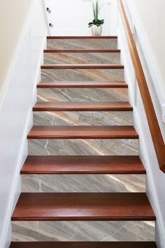 Stairways With Carpet Runners Tiled Staircase, Tile Stairs, Marble Stairs, Staircase Remodel, House Stairs, Marble Tiles, Wood Floor Stairs, Stairs Tiles Design, Home Stairs Design