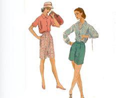 Pantaloncini e camicetta modello 8879 1950 di vogue di WhatnotGems su Etsy https://www.etsy.com/it/listing/153519365/pantaloncini-e-camicetta-modello-8879