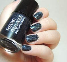 Nailstorming - May the 4th be with you - Astra Party Glitter 05 Party Blue - Galaxy nails - Star Wars
