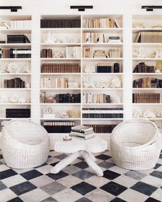 35 Home Library Ideas with Beautiful Bookshelf Designs - Architectural Digest Bookshelf Styling, Bookshelf Design, Bookshelf Wall, Bookshelf Organization, Bookshelf Speakers, Bedroom Bookshelf, Bookshelf Lighting, Shelving Design, Bookshelf Ideas