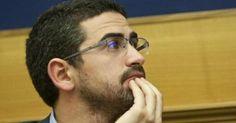 il popolo del blog,: Camera: il M5S impone la gara per le divise dei co...