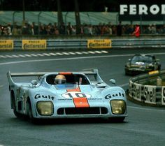 Vern Schuppan, Mirage -Ford Le Mans 1975 (with JP Jaussaud) Sports Car Racing, Racing Team, Sport Cars, Auto Racing, Road Racing, Grand Prix, Jochen Rindt, Course Automobile, Le Mans 24