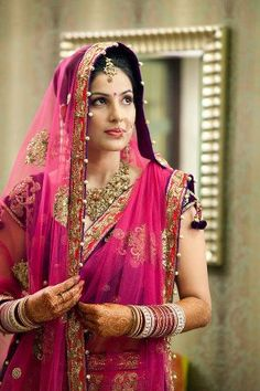 WeddingSutra is India's best wedding planning website with an inspiring collection of ideas, wedding stories, top Indian wedding trends, Bollywood weddings, latest wedding fashion and more. Indian Bridal Fashion, Indian Bridal Wear, Asian Fashion, Bride Indian, Indian Weddings, Beautiful Indian Brides, Beautiful Bride, Beautiful Saree, Gorgeous Hair