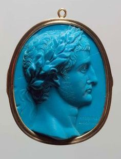 Glass cameo of Herophilos, 20 AD. Held in Kunsthistorisches Museum (KHM), Germany.