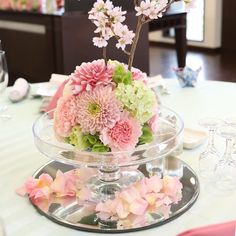 Wedding Table, Wedding Cakes, Wedding Aniversary, Japanese Wedding, Flower Ball, Flower Centerpieces, Flower Boxes, Beautiful Bride, Cherry Blossom