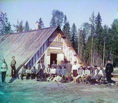 O fotógrafo russo Sergei Mikhailovich, desenvolveu as primeiras técnicas de fotografia em cores no início do século XX.