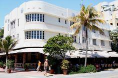Cardozo Hotel (1939) 1300 Ocean Drive South Beach, Miami. Architecte : Henry Hohauser. ©GB