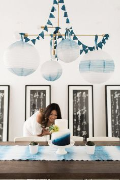 Searching for ideas on how to decorate home for a baby shower? Get fantastic baby shower decoration ideas to have a memorable and exciting event. Denim Baby Shower, Simple Baby Shower, Baby Boy Shower, Baby Shower Decorations For Boys, Baby Shower Themes, Shower Ideas, Star Baby Showers, Baby Shower Parties, Shower Party