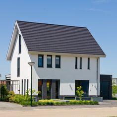 buitengevel stucwerk vrijstaand huis wit 2