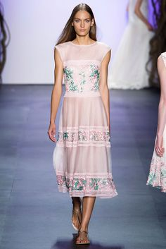 Tadashi Shoji at New York Fashion Week Spring 2016 - Runway Photos Tadashi Shoji, Spring 2016, Summer 2016, Spring Dresses, Ready To Wear, Fashion Show, Runway, Dress Up, Style Inspiration