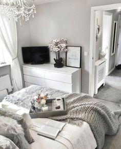 Grey Bedroom Decor, Stylish Bedroom, Room Ideas Bedroom, Diy Bedroom, Grey Bedroom Design, Bedroom Inspo, Bedroom Wall, Silver Bedroom, Grey Home Decor