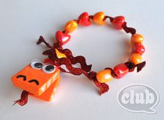 Such a fabulous idea for a Chinese New Year Dragon Bracelet over at @MsTwixt & @Chicaclub, LOVE it