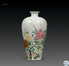 #清雍正 #粉彩 #花卉纹 #梅瓶 Keramik Vase, Chinese Antiques, Porcelain, Pottery, China, Paintings, Ceramics, Ideas, Home Decor
