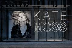 KATE MOSS window display by VAN DEN BLOCKE for Reserved, London – UK » Retail Design Blog