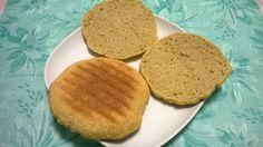 English muffin NoCarb módra | Klikk a képre a receptért! Pancakes, Muffin, English, Cookies, Breakfast, Desserts, Food, Crack Crackers, Morning Coffee
