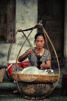 """Chè đỗ đen"" (Black bean sweetened porridge) in Hanoi, Vietnam Hanoi Vietnam, Vietnam Travel, Asia Travel, Street Food Market, Street Vendor, Laos, Amazing Photography, Street Photography, Food Photography"