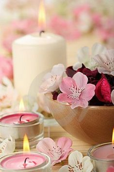 Calm and spa Candle Lanterns, Pillar Candles, Feng Shui, Candle In The Wind, Everything Pink, Scented Candles, Beautiful Flowers, Candle Holders, Romantic