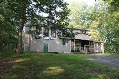 Just Listed today! 14+ acres with shared pond & adjoins State Land. Large 36 by 80 (12) stall barn with water & electric. Split level home offering 3 bedrooms, 2 baths, vaulted ceiling, screened in porch, rear deck overlooking pond, large living room with fireplace, office, den/family room, eat in kitchen & formal dining room. $279,000 #RealEstate #ForSale #PikeCounty #Milford #ChantRealtors Dave Chant & Nicole Patrisso Davis R. Chant Realtors www.chantre.com 570.296.7717