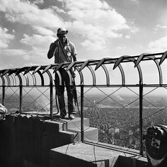 Vivian Maier, september 13 1953 Empire State Building New York.