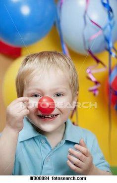 Jongen, feestje, clown's, neus, ballons, achtergrond, het glimlachen