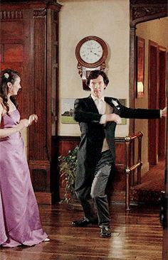 Sherlock pirouetting, gotta pin it. Sherlock just took my dance career to a whole other level! Sherlock Holmes, Sherlock Fandom, Sherlock Series, Martin Freeman, Johnlock, Grey's Anatomy, Doctor Who, Mrs Hudson, Sherlolly