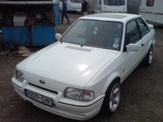 Ford Escort XR3i+ by marky_g http://www.fordbuilds.net/ford-escort-xr3i-build-by-marky-g