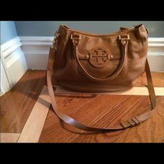 Tory burch Amanda hobo smaller Smaller medium size royal tan Tory burch Amanda hobo bag! Minor wear but overall in great condition Tory Burch Bags