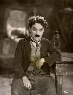 Charlie Chaplin, a legend of the cinema Vevey, Charlie Chaplin, Classic Hollywood, Old Hollywood, Celebridades Fashion, Charles Spencer Chaplin, Photo Star, Aragon, Film Serie