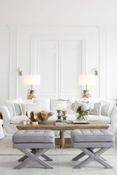 32 Ideas Dreamy Coastal Living Rooms Decoration, As stated by the designer, the room isn't too much blue. Living room has become the most important part in any house since it is the very first room y. Elegant Living Room, Coastal Living Rooms, Formal Living Rooms, Home And Living, Living Spaces, Hamptons Living Room, Modern White Living Room, Classic Living Room, Living Room Furniture