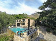 4 Bedroom House to rent in Hout Bay Central - 1 Coral Close - 4 Bedroom House, Property For Rent, Elegant Homes, Renting A House, Villa, Coral, Mansions, House Styles, Outdoor Decor