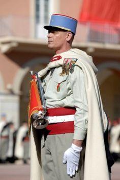 Uniforme de parade des spahis de l'armée français / Parade dress uniform of the French Army Spahis