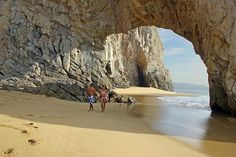 Did you know this happens every 4 years? #Cabo #TheArch #ElArco #CaboSanLucas