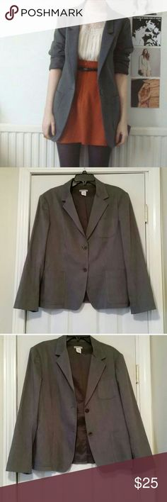 New Gray Blazer sz.XL New J.Crew Blazer Color Gray Very nice and stretchy Blazer , great Fit, curves the right places. Very slimming. J. Crew Jackets & Coats Blazers
