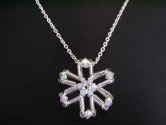 Beaded  Snowflake Charm Tutorial TWR024