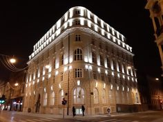 Located in the heart of Zagreb, a walk from Ban Jelacic Square, Hotel Capital offers an a la carte restaurant and a bar decorated with Art Deco. Facade Lighting, Banks Building, Park Hotel, Central Europe, Croatia, Architects, Buildings, Art Deco, London