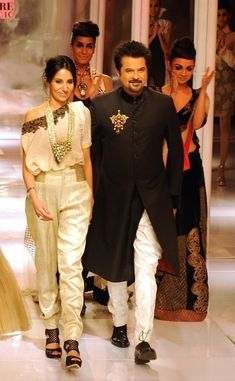 Fashion designer Anamika Khanna w/ Bollywood-actor Anil Kapoor