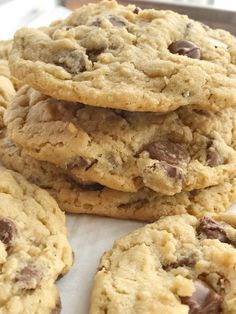 The best oatmeal chocolate chip cookies! Soft, chewy, thick, and giant sized. Cause who doesn't need a giant cookie in their life? Chocolate Chip Cookies Recipe Video, Oatmeal Chocolate Chip Cookies, Cookie Recipes, Dessert Recipes, Desserts, Yummy Recipes, Cookies Soft, Best Oatmeal, Recipe Of The Day