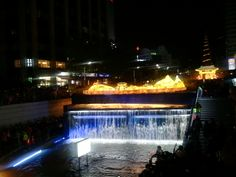 청계광장분수 와 등불 Cheonggye Square fountains and lanterns
